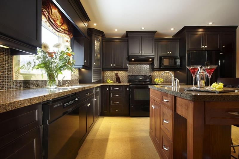 21 Dark Cabinet Kitchen Designs-1