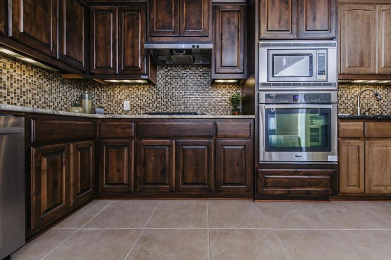 21 Dark Cabinet Kitchen Designs Page 3 Of 5