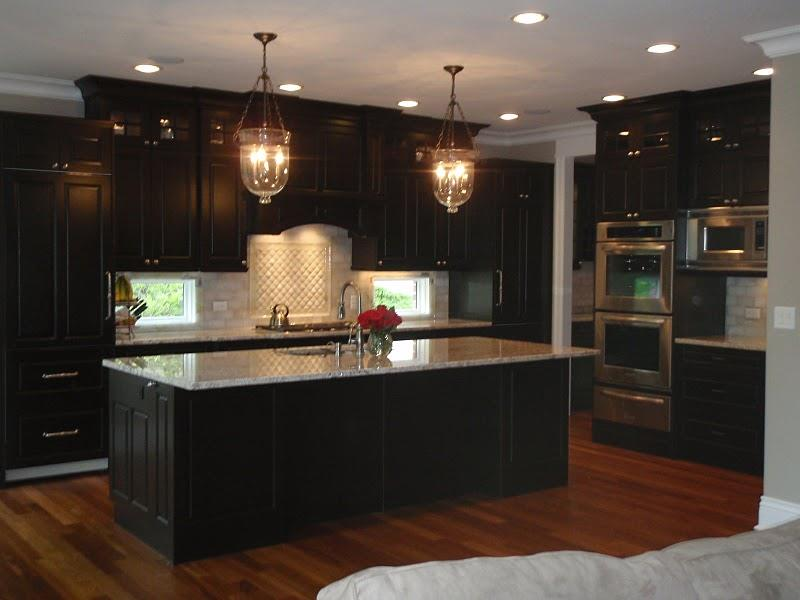 21 Dark Cabinet Kitchen Designs-3