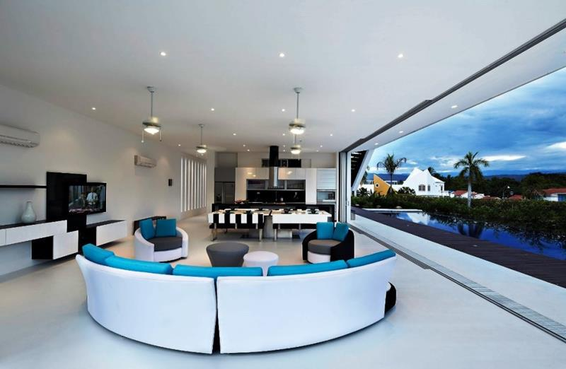 21 Living Rooms With Huge Picture Windows-15