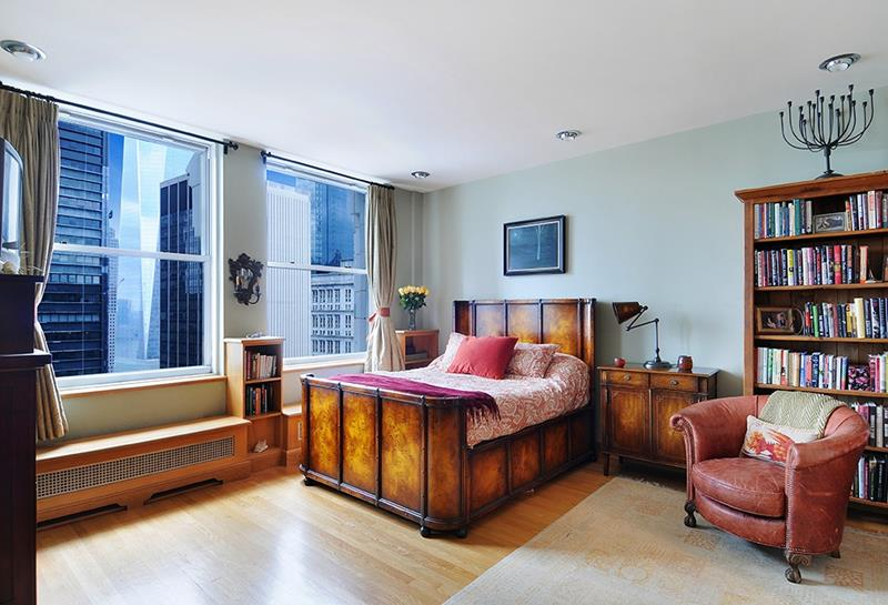 28 Master Bedrooms With Hardwood Floors-23