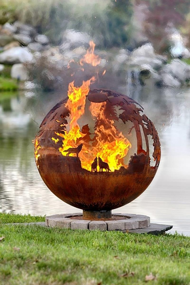 17 Amazing Backyard Fire Pits to Gather Around-8