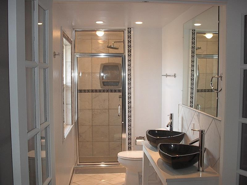 21 Simply Amazing Small Bathroom Designs-14