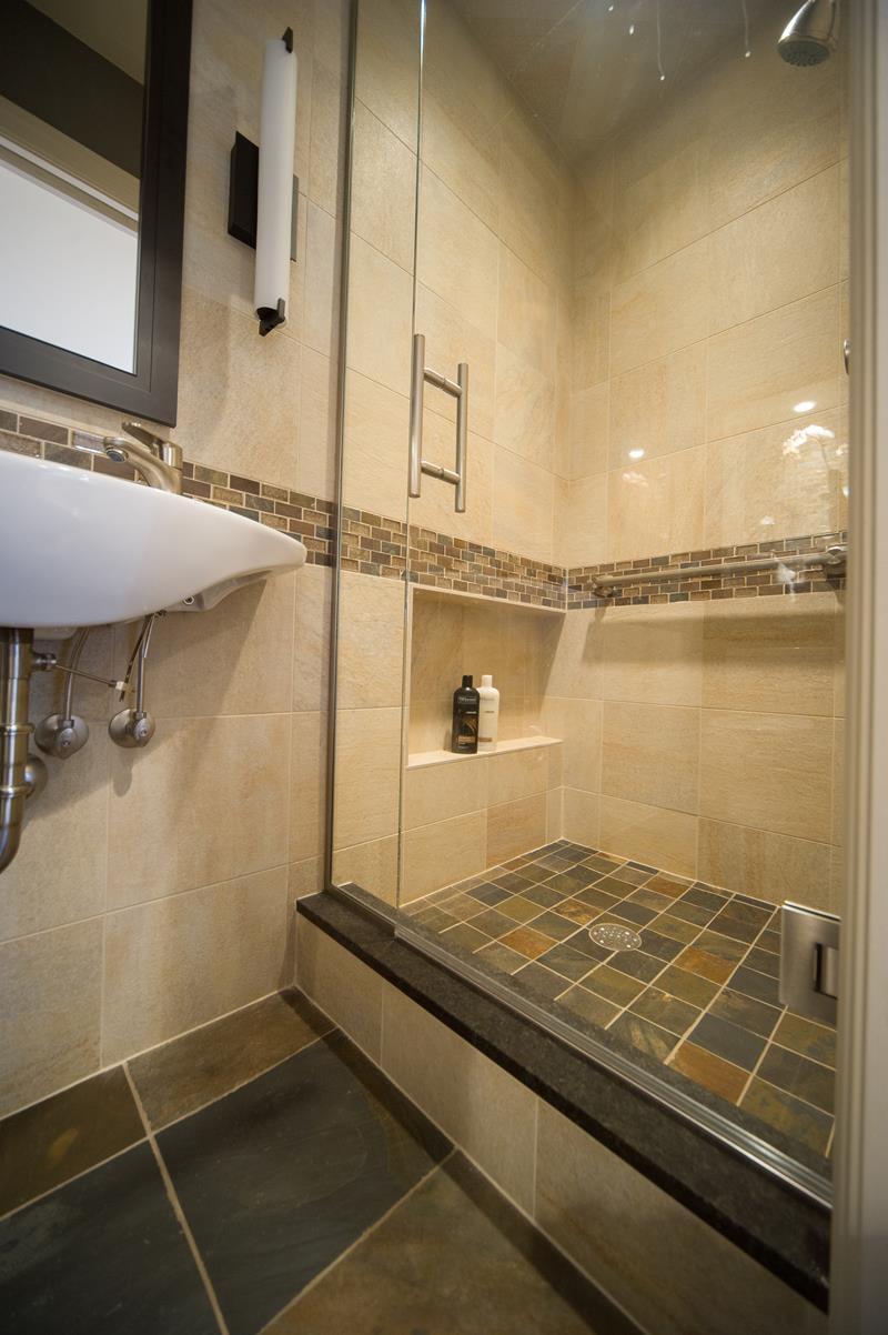 21 Simply Amazing Small Bathroom Designs-17