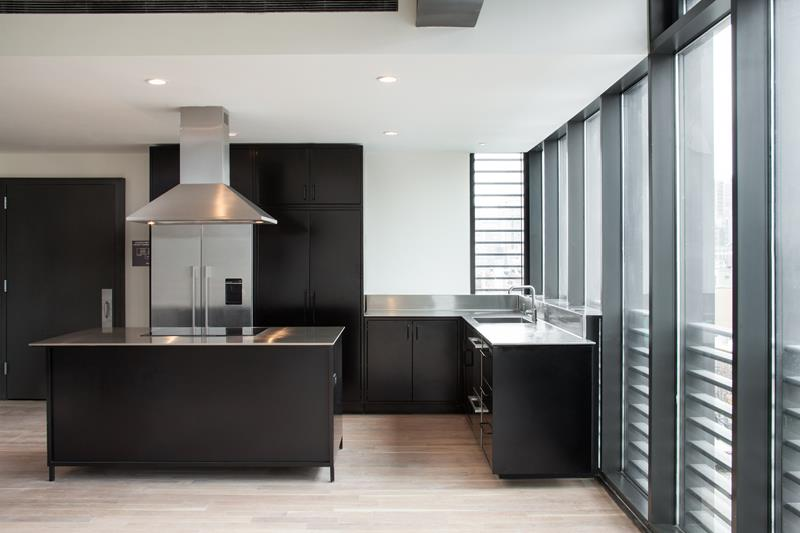 21 Sleek and Modern Metal Kitchen Designs-18
