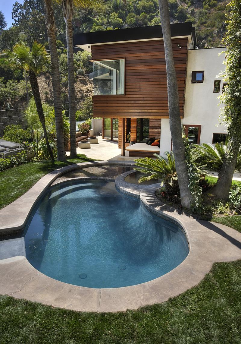 23 Awesome In Ground Pools You Have to See to Believe-19