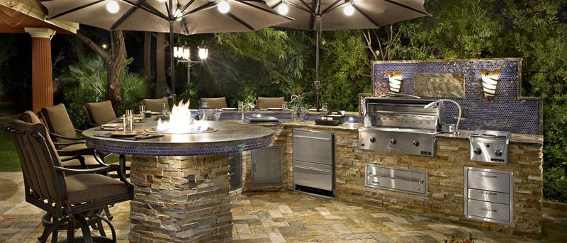 25 Outdoor Kitchen Designs That Will Light Up Your Grill-8