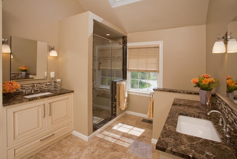 24 Incredible Master Bathroom Designs-8