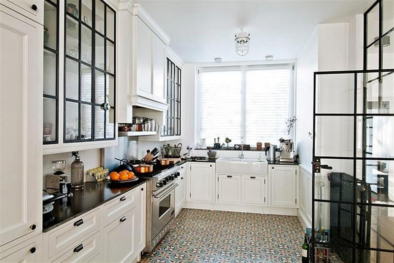 24 Pictures of Kitchens with Glass Cabinets-18