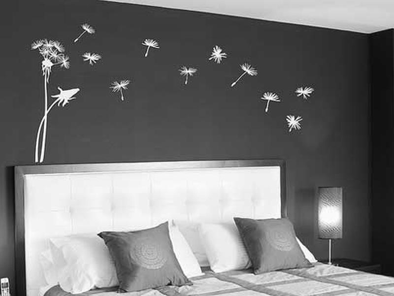 25 Dark Master Bedroom Designs Perfect for Snoozing-23
