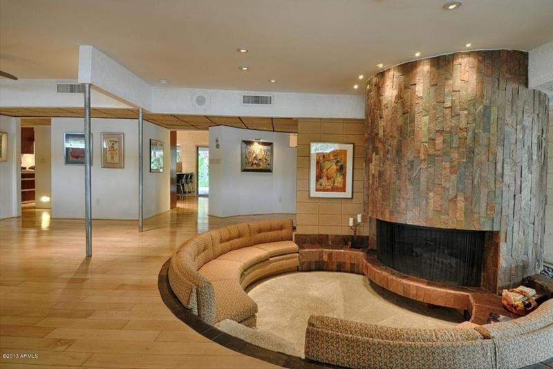 26 Amazing Sunken Living Room Designs-24