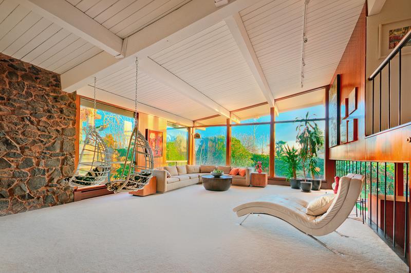 27 Beautiful Mid Century Living Room Designs-14