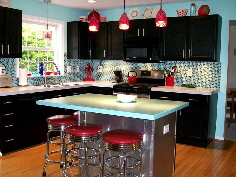 27 Retro Kitchen Designs That Are Back to the Future-21