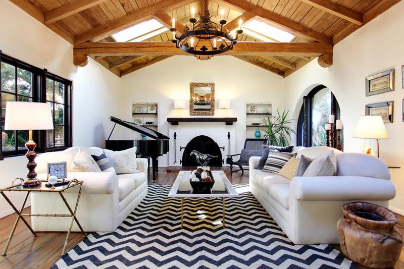 127 Luxury Living Room Designs-118