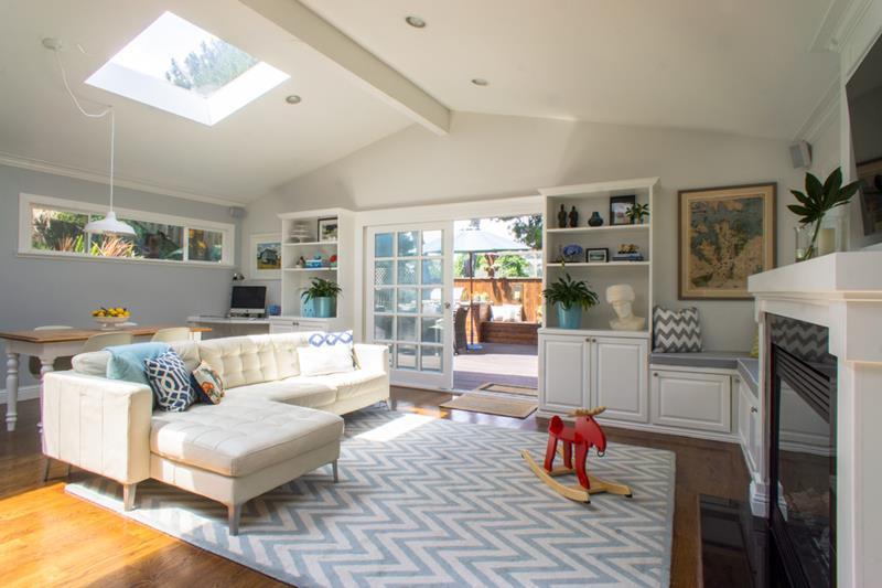 127 Luxury Living Room Designs-122