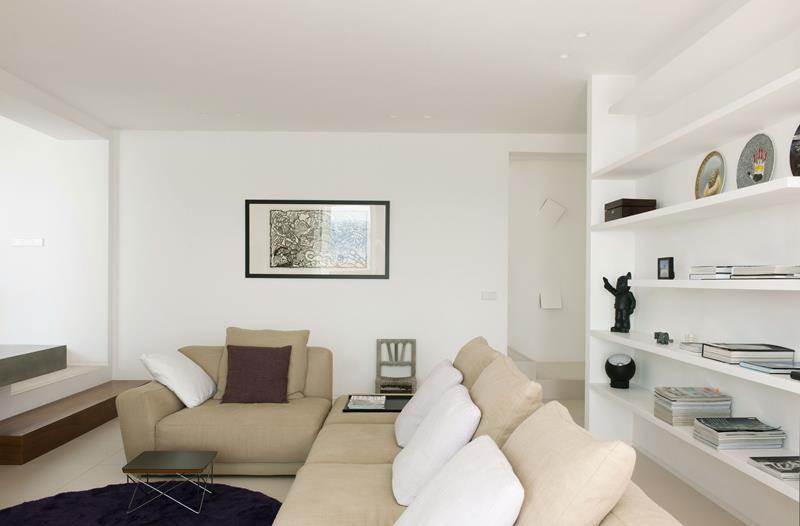 127 Luxury Living Room Designs-75