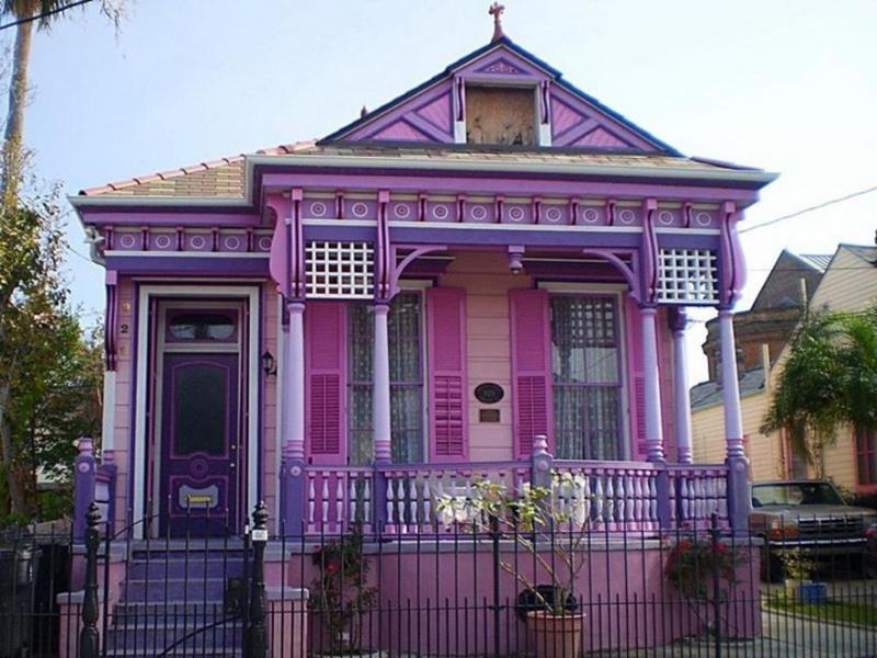 20 Awesome and Colorful Home Exteriors-3