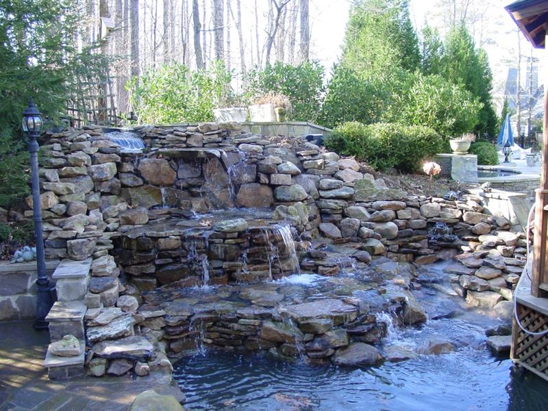 20 Backyards With Stunning Waterfalls-2