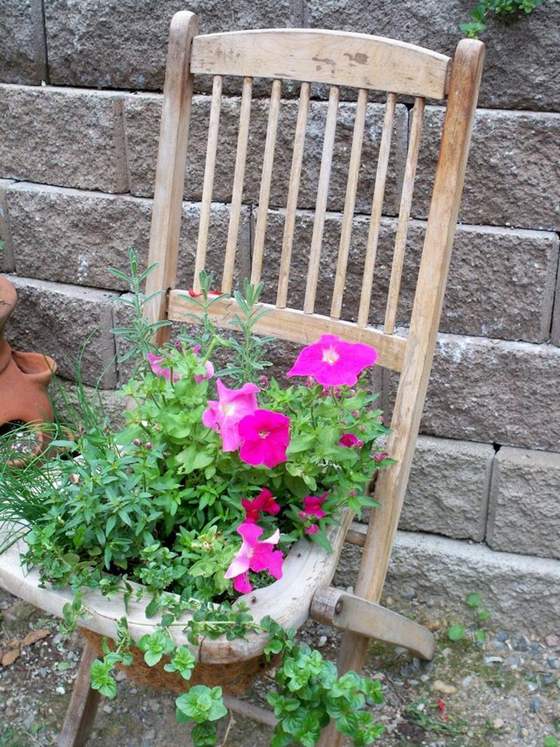 20 Unique and Inspirational Flower Pot Ideas-13