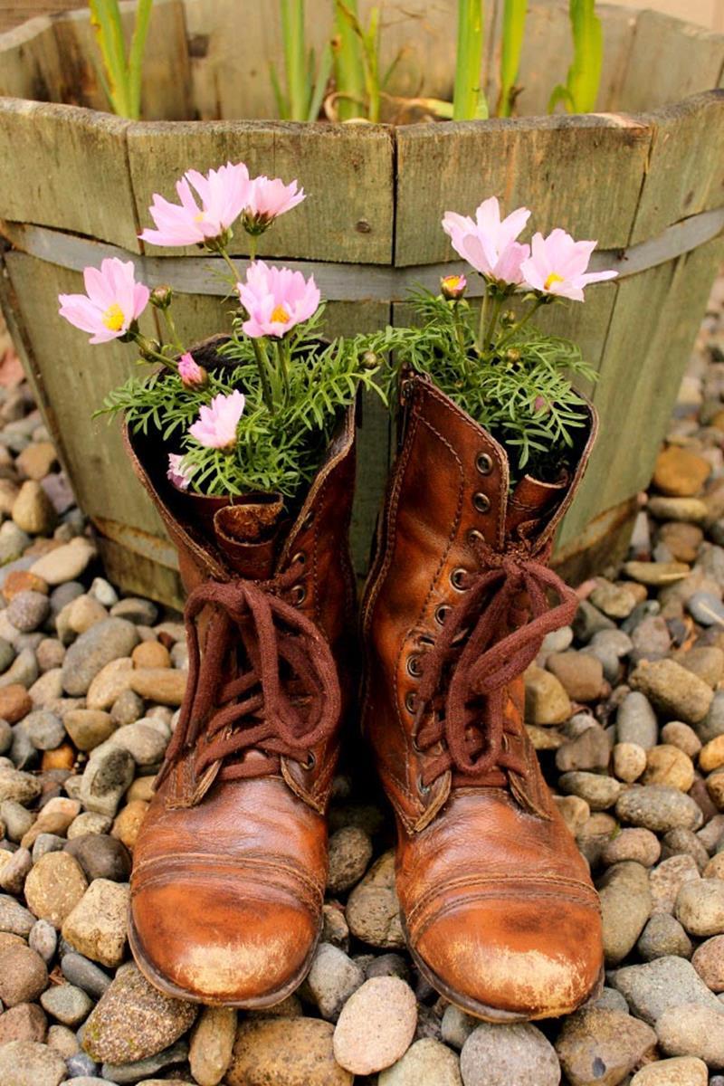 20 Unique and Inspirational Flower Pot Ideas-9