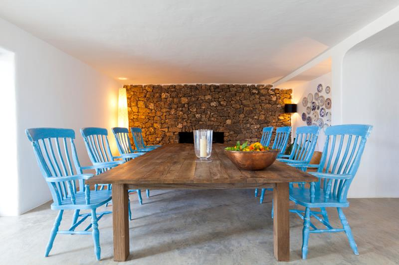 21 Dining Rooms With Beautiful Concrete Floors-5