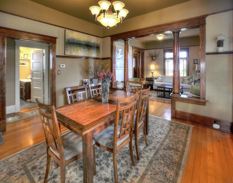 22 Amazing Craftsman Dining Room Designs-19