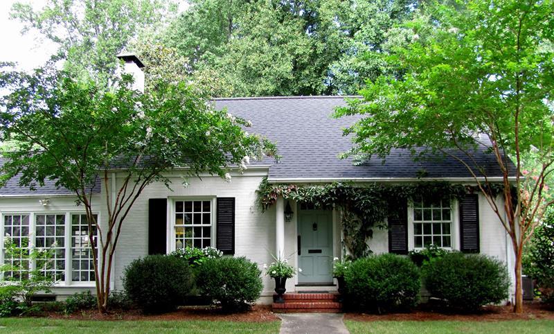 22 Pristine White Home Exteriors-4