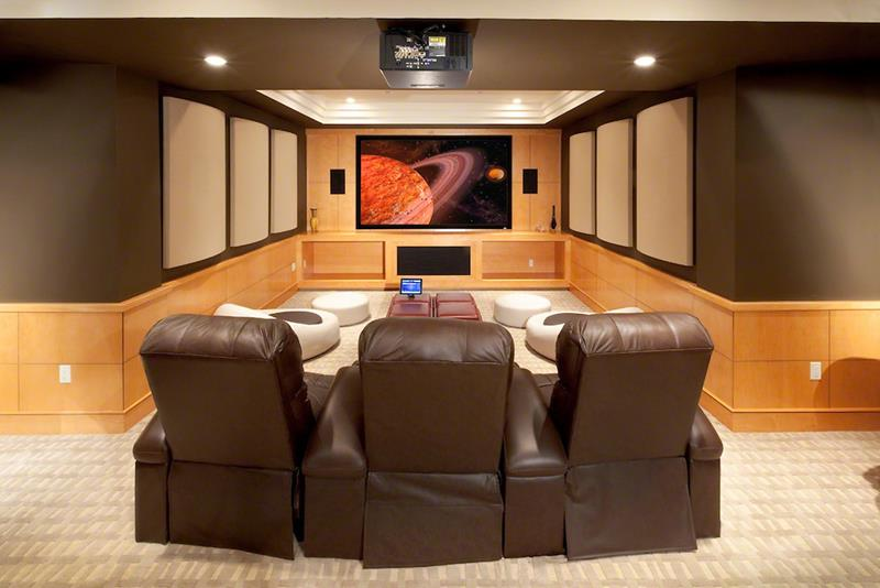 23 Amazing Finished Basement Theaters for Movie Time-2