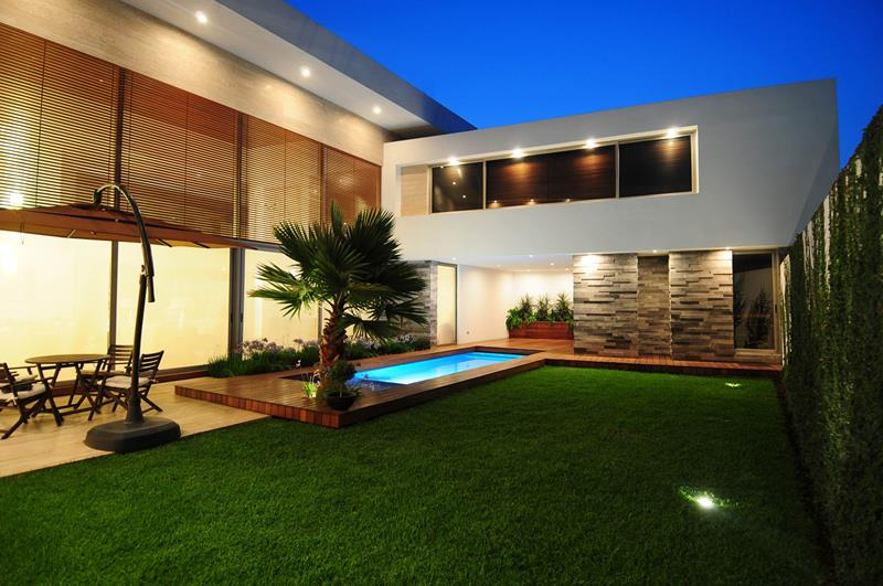 23 Amazing Small Swimming Pool Designs-15