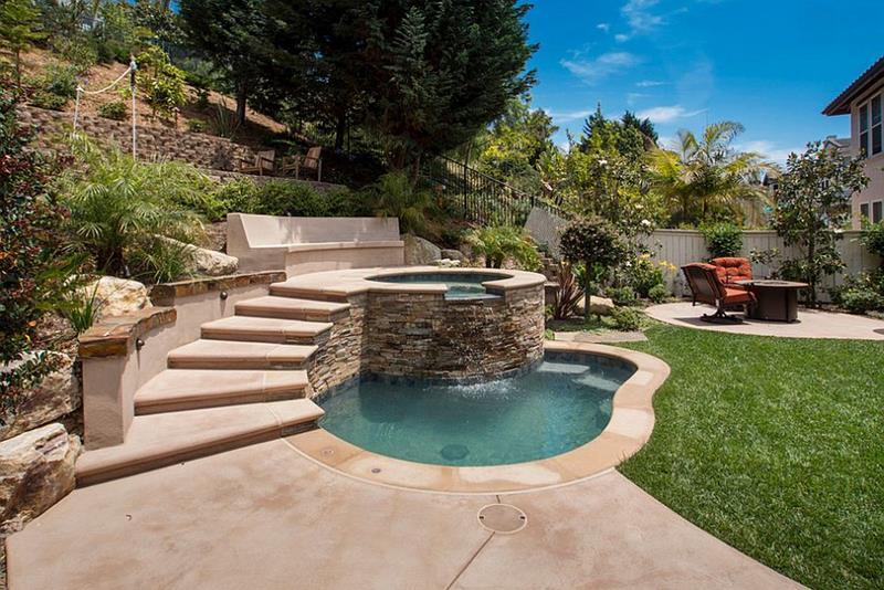 23 Amazing Small Swimming Pool Designs-21