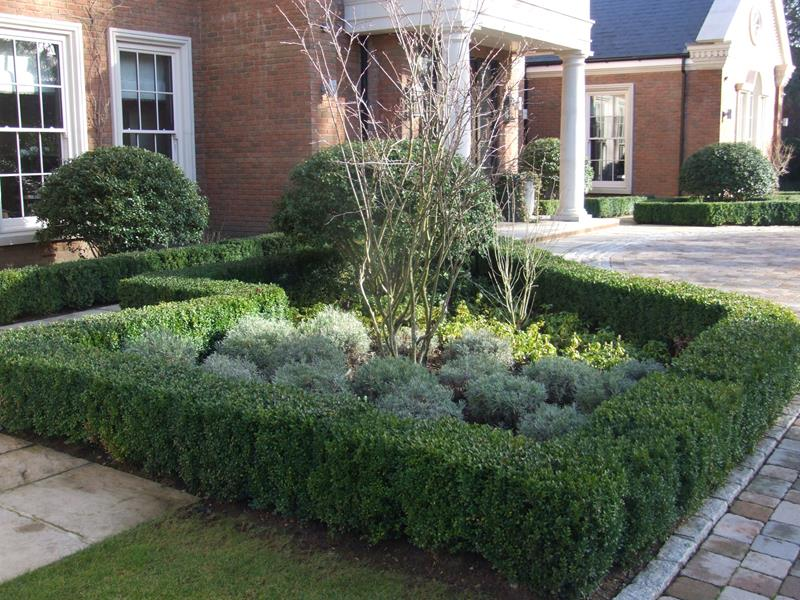 23 Pictures of Beautifully Landscaped Front Yards-14