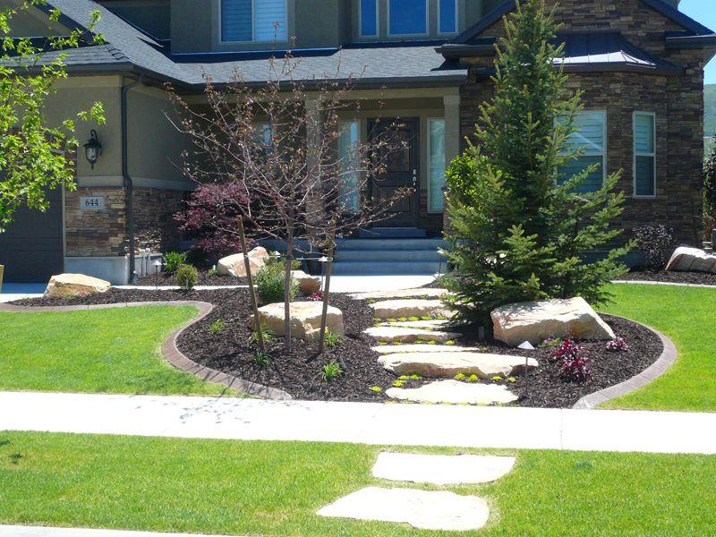 23 Pictures of Beautifully Landscaped Front Yards-2