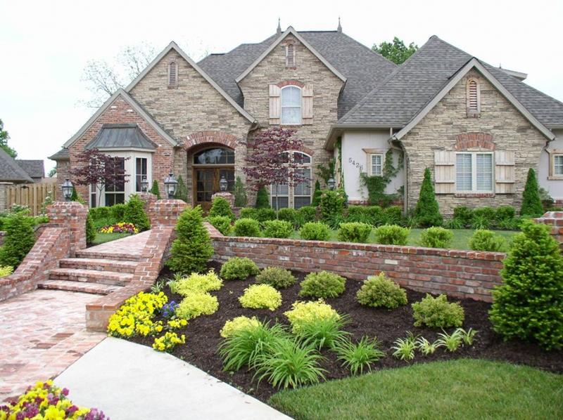 23 Pictures of Beautifully Landscaped Front Yards-4