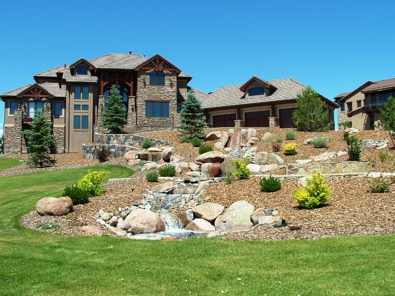 image named 23 Pictures of Beautifully Landscaped Front Yards title
