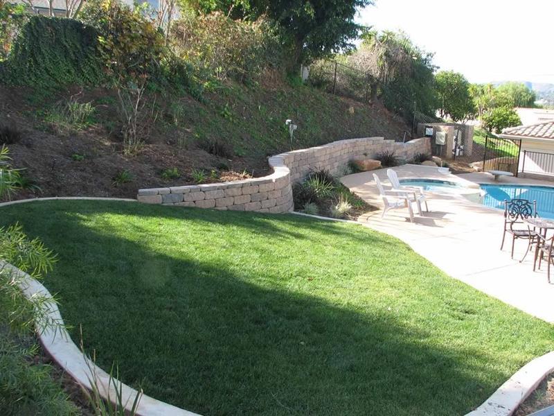 24 Beautiful Backyard Landscape Design Ideas-17