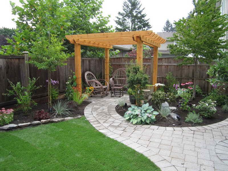 24 Beautiful Backyard Landscape Design Ideas-5