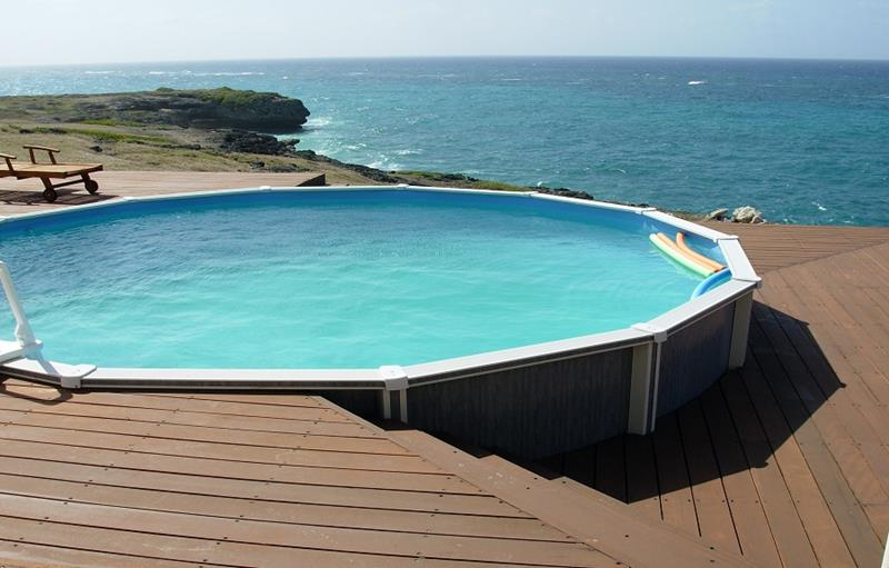 25 Awesome Pools With Equally Awesome Decks-5