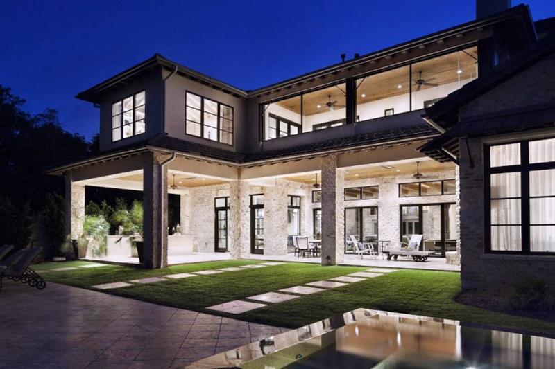 25 Luxury Home Exterior Designs-1