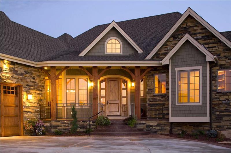 25 Luxury Home Exterior Designs-13