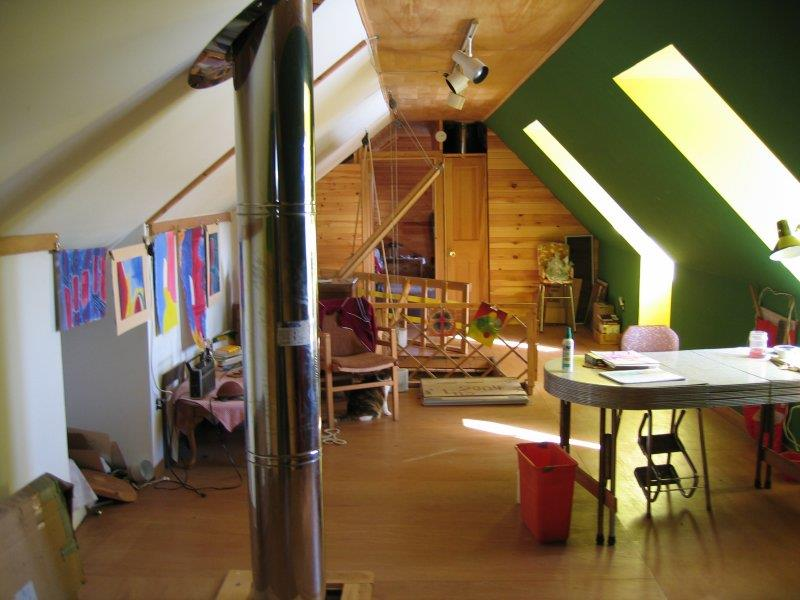 26 Amazing and Inspirational Finished Attic Designs-7