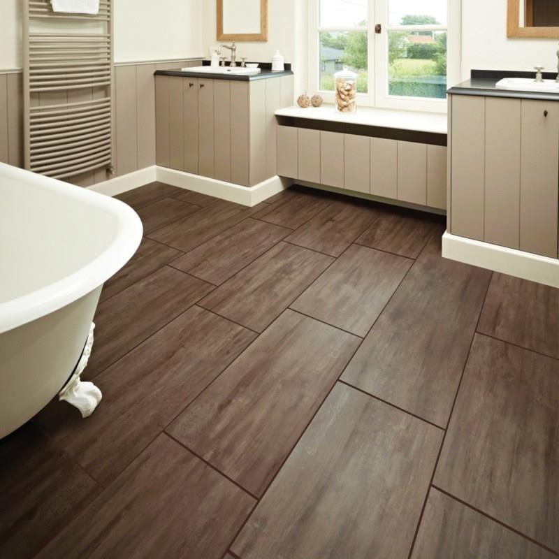 26 Beautiful Wood Master Bathroom Designs-25