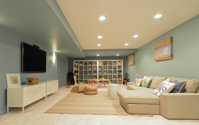 26 Charming and Bright Finished Basement Designs-4