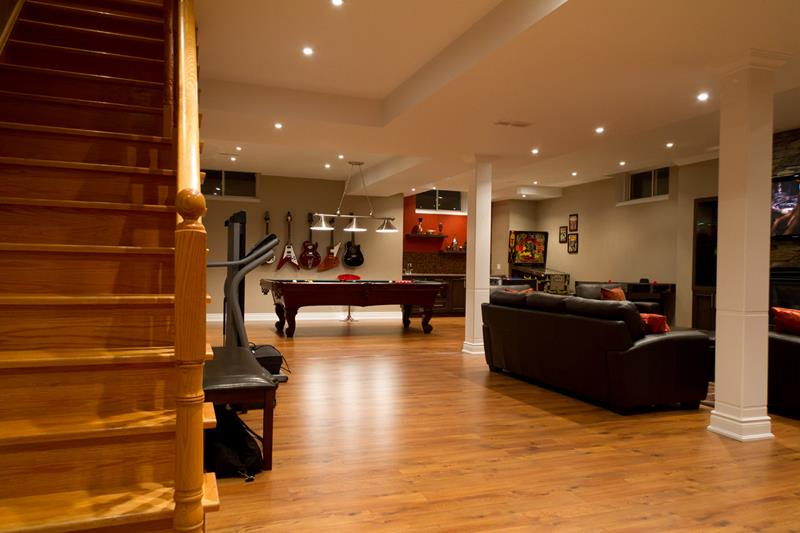27 Luxury Finished Basement Designs-15