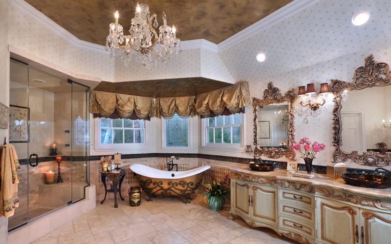 28 Stunningly Luxurious Bathroom Designs-11