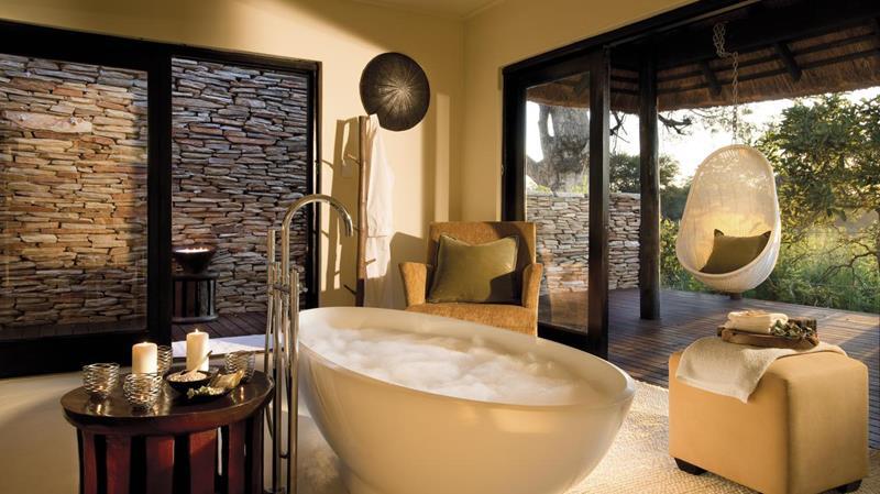 28 Stunningly Luxurious Bathroom Designs-15