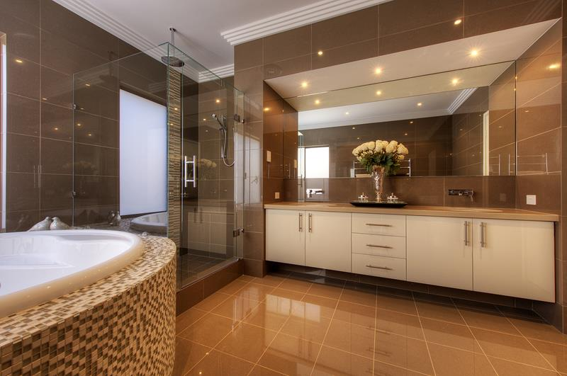 28 Stunningly Luxurious Bathroom Designs-9