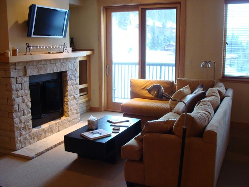 74 Small Living Room Design Ideas-59