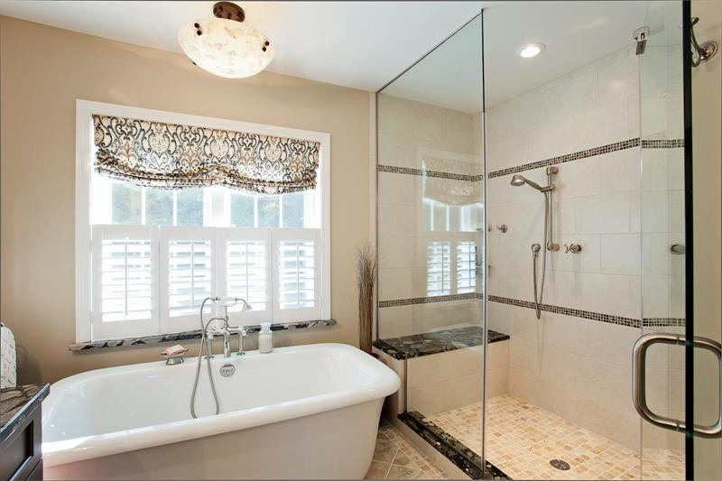 37 Bathrooms With Walk In Showers-7