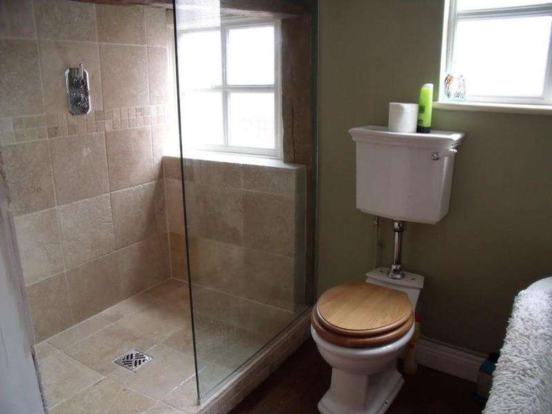37 Bathrooms With Walk In Showers-8