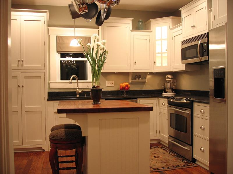 51 Awesome Small Kitchen With Island Designs-2